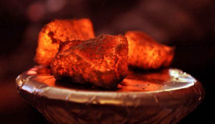 Как разжечь уголь для кальяна